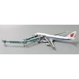JC Wings Airport Passenger Boarding Bridge Wide Body 1:400