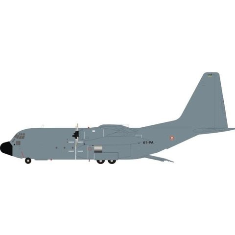 C130H Hercules French Air Force Armee de l'Air 61-PA 5114 Grey 1:200 with stand
