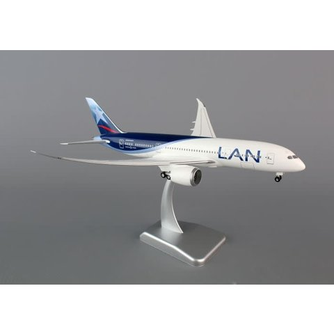 B787-8 LAN PERU 1:200 SCALE MODEL WITH STAND AND GEAR