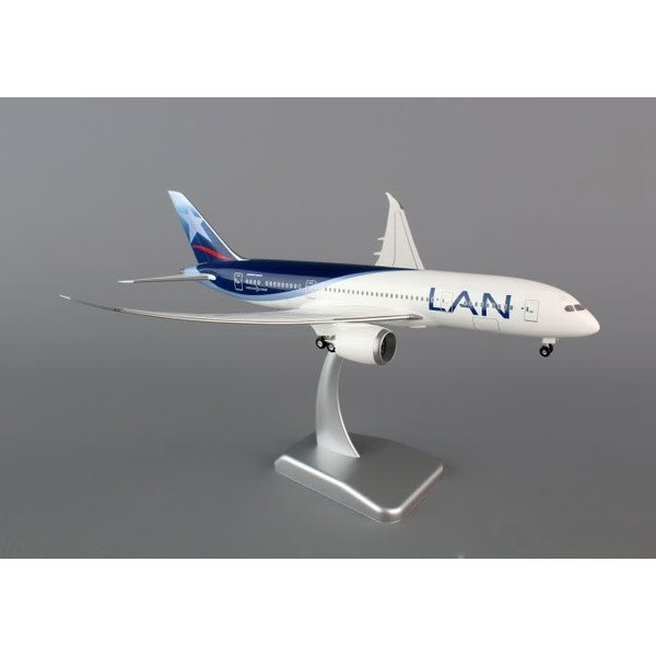 Hogan B787-8 LAN PERU 1:200 SCALE MODEL WITH STAND AND GEAR