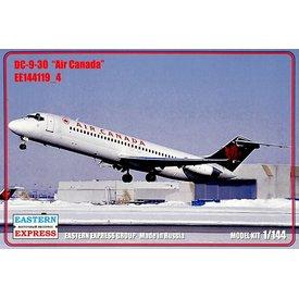 Eastern Express DC9-30 Air Canada Green tail 1:144 Scale Kit