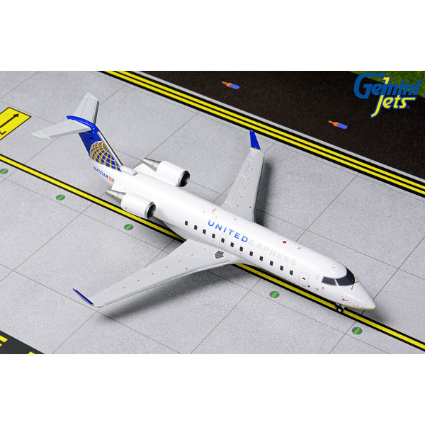 Gemini Jets CRJ200 United Express 2010 Livery N430AW 1:200 with stand