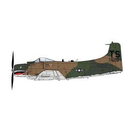 Hobby Master A1H Skyraider 22SOS 56SOW TS South Vietnam 1:72