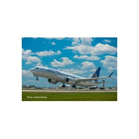 Herpa B737 MAX 9 United Airlines 2010 livery 1:500