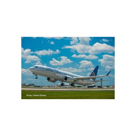 B737 MAX 9 United Airlines 2010 livery 1:500