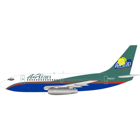 B737-200 AirTran old livery N467AT 1:200 stand