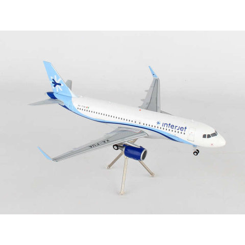A320S Interjet XA-FUA 1:200 with stand