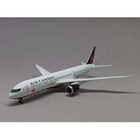 NG Models B787-9 Dreamliner Air Canada 2017 c/s C-FVND 1:400
