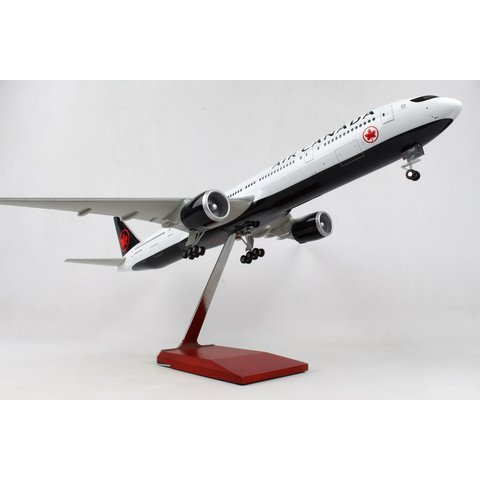 B777-300ER Air Canada 1:100 Wood Stand & Gear