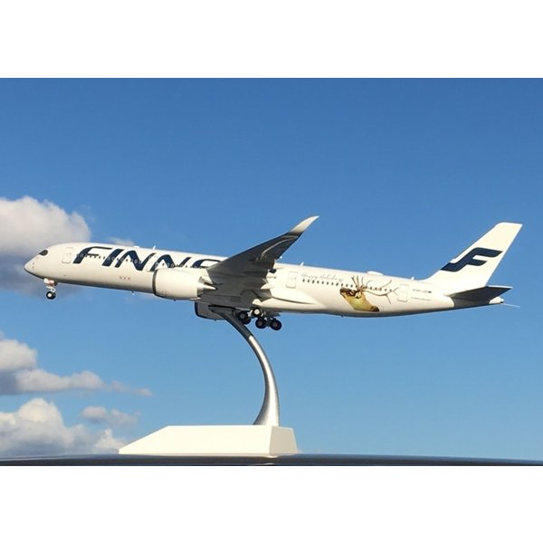 JC Wings A350-900 Finnair Happy Holidays OH-LWD 1:200 flaps