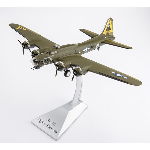 Air Force 1 Model Co. B17G Flying Fortress 524BS 379BG Swamp Fire 1:72
