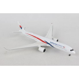 Herpa A350-900 Malaysia Airlines 1:500 +NSI+