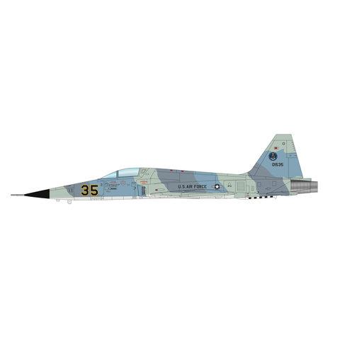 F5E Tiger II 527 AGRS USAF RED35 Alconbury 1:72