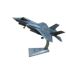Air Force 1 Model Co. F35A Lightning II 61FS 56FW USAF Luke AFB AZ 1:72