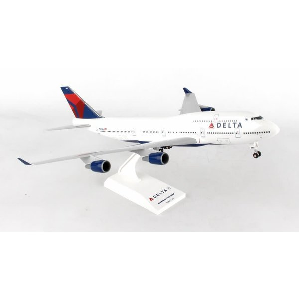 SkyMarks B747-400 Delta 2007 livery N661US 1:200 with gear+stand