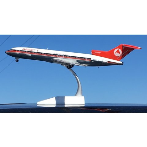 B727-200 Ansett OC red/black 1:200 with stand