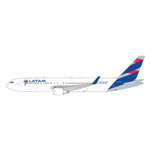 B767-300ERW LATAM CC-CWV 1:400
