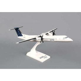 SkyMarks dash8-400 Q400 porter C-GLQC 1:100 with stand