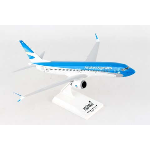 B737 MAX8 Aerolineas Argentinas 1:130 with stand