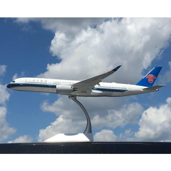 JC Wings A350-900 China Southern B-308T 1:200 flaps down