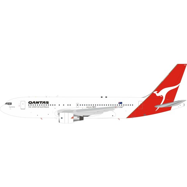 InFlight B767-200ER QANTAS VH-EAN 1:200 with stand