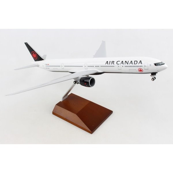 SkyMarks B777-300ER Air Canada 2017 c/s 1:200 with Wood Stand