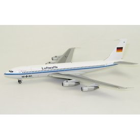 InFlight B707-300 Luftwaffe German Air Force 10+02 1:200 with stand