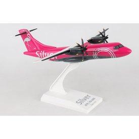 SkyMarks ATR42 SilverAir N800SV pink 1:100 with stand