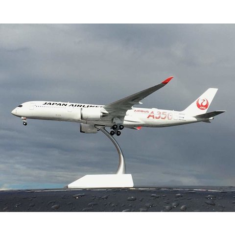 A350-900 JAL Airbus Red A350 JA01XJ 1:200 with stand
