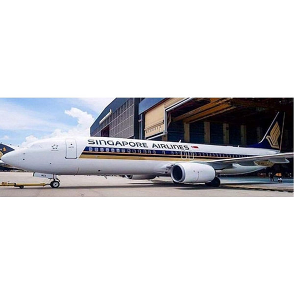 JC Wings B737-800W Singapore 9V-MGA 1:200 with stand +Preorder+