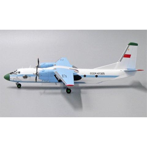 An26 Aeroflot Soviet CCCP-47325 1:200