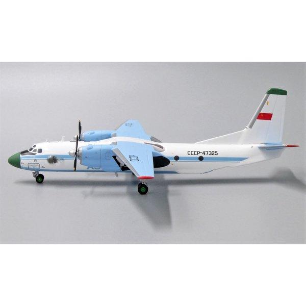 AviaBoss An26 Aeroflot Soviet CCCP-47325 1:200