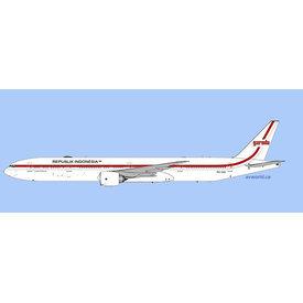 Phoenix B777-300ER Garuda 1970's Retro Republik Indonesia PK-GIG 1:400