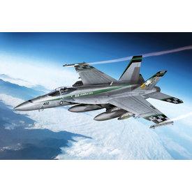 Academy F18E VFA-195 'Chippy Ho!' 1:72