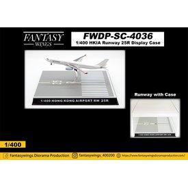 JC Wings Hong Kong Airport Runway 25R Dispay Case 1:400