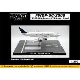 JC Wings Hong Kong Airport Runway 07R Display Stand 1:200