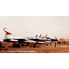 Herpa B58A Hustler 43rd Wing USAF Carswell AFB 1:200 +preorder+