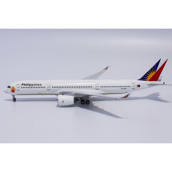 NG Models A350-900 Philippine Airlines Love Bus RP-C3508 1:400