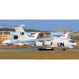 AviaBoss Ilyushin IL76T United Nations RA-76457 1:200 (plastic)  +preorder+
