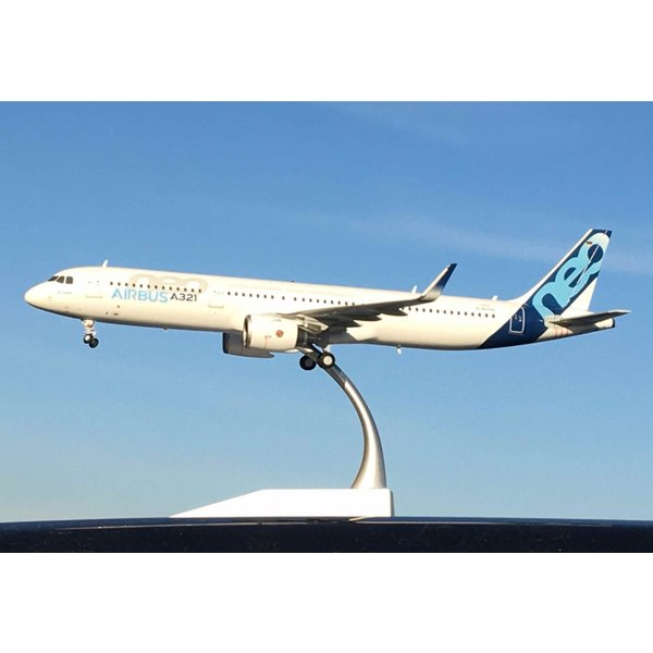 JC Wings A321neo Airbus House Livery D-AVXA 1:200