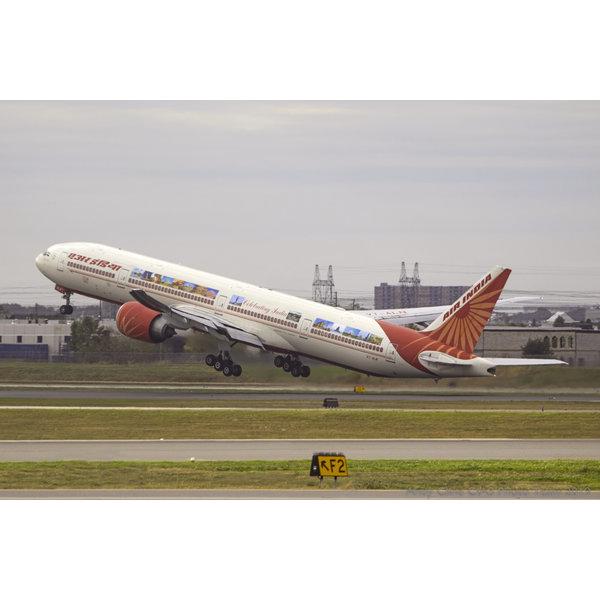JC Wings B777-300ER Air India Celebrating India VT-ALN 1:400