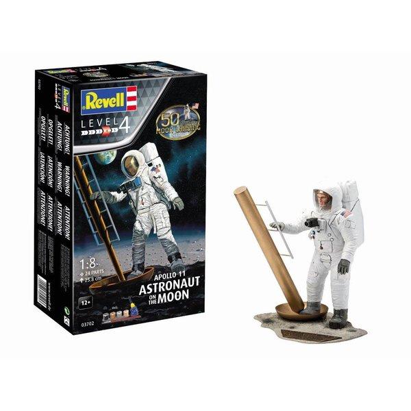 Revell Germany Apollo 11 Astronaut on the Moon 1:8 model kit
