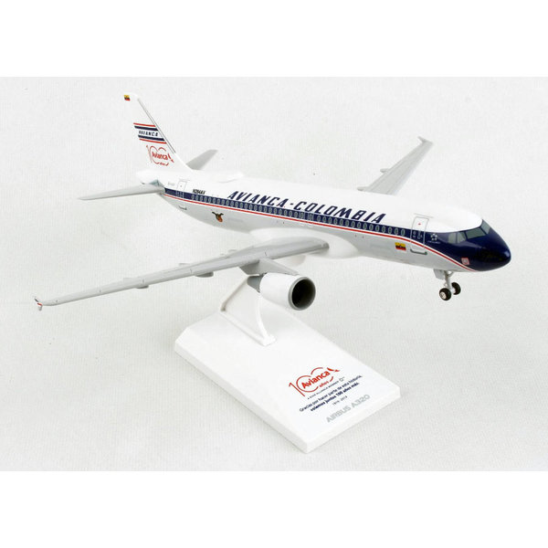 SkyMarks A320 Avianca Columbia Retro Livery 1:150 with gear and stand