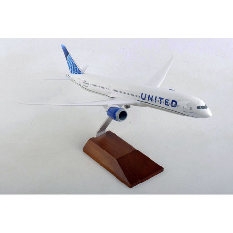 B787-10 Dreamliner United 2019 livery 1:200 with wood stand