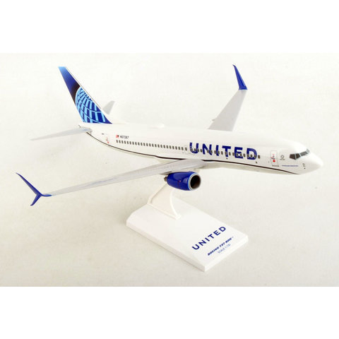 B737-800S United 2019 Livery 1:130 with stand