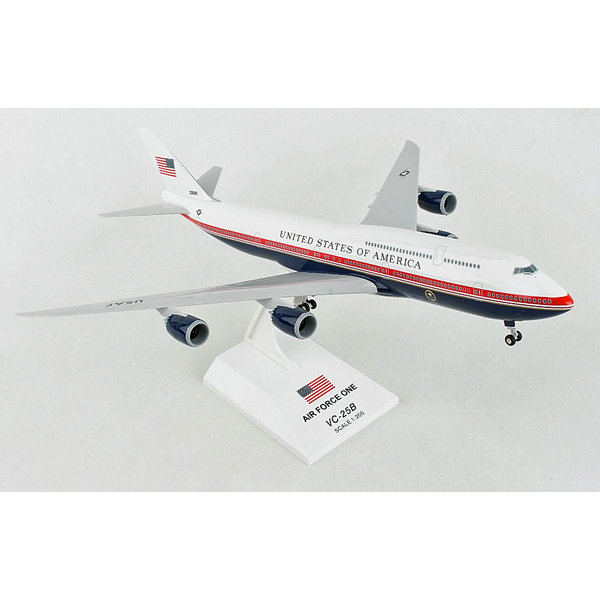 SkyMarks B747-8 VC-25B (B747-8i) Air Force One 30000 1:200 with stand