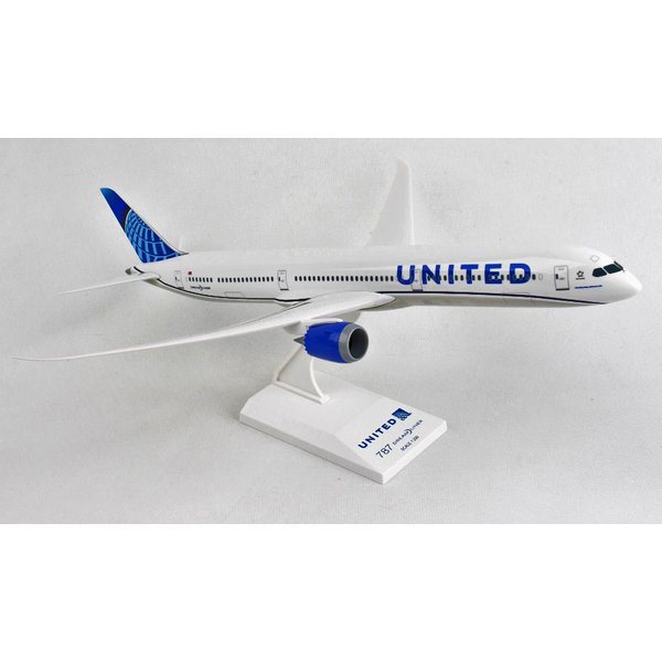 SkyMarks B787-10 Dreamliner United 2019 livery 1:200 with stand
