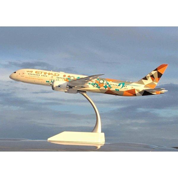 JC Wings B787-9 Dreamliner Etihad ADNOC Livery A6-BLI 1:200