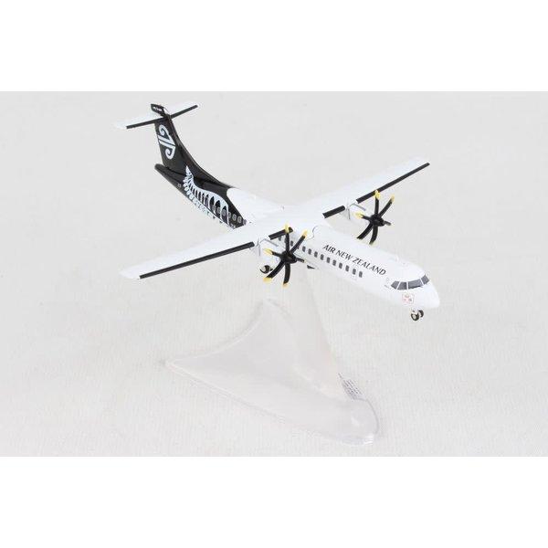 Herpa Air New Zealand ATR72-600  1:200 (diecast metal)