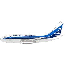 InFlight B737-200 Aerolineas Argentinas LV-JMW 1:200 with stand